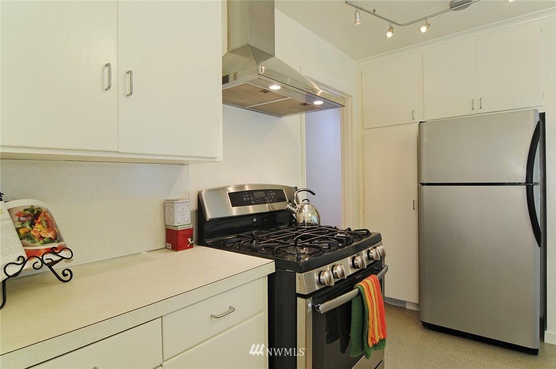 Sold Property   3137 NE 81st Street Seattle, WA 98115 6