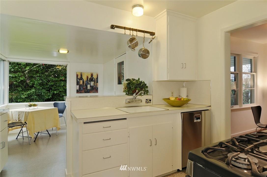 Sold Property   3137 NE 81st Street Seattle, WA 98115 7