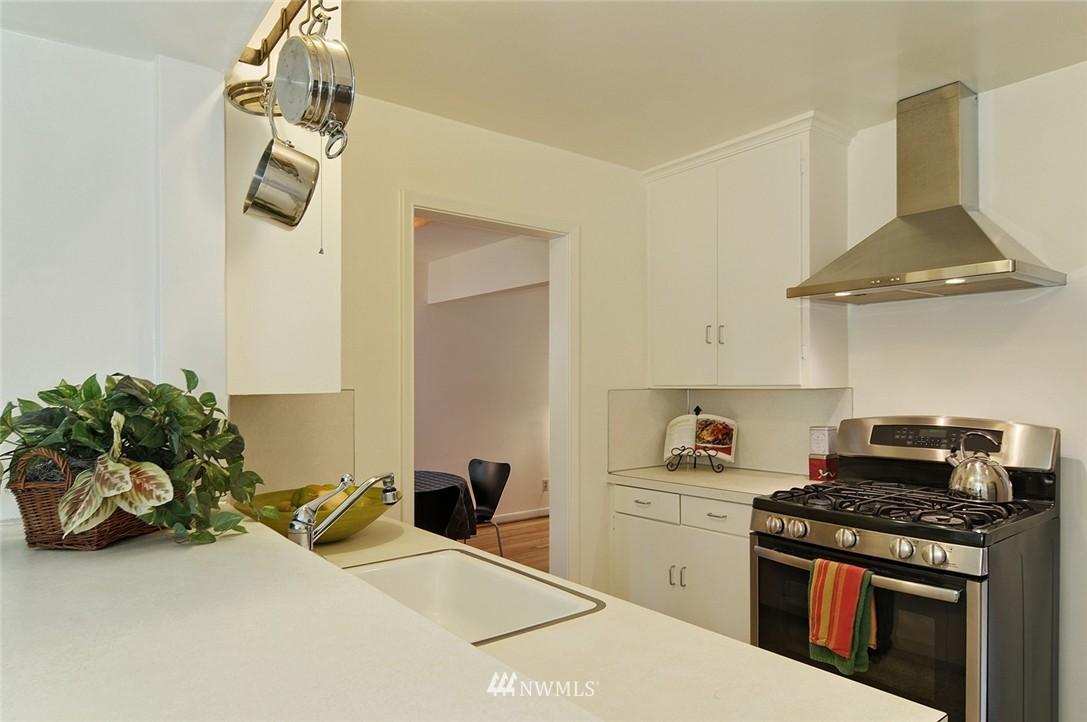 Sold Property   3137 NE 81st Street Seattle, WA 98115 8
