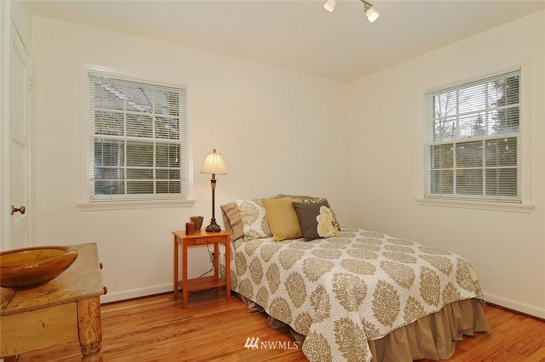 Sold Property   3137 NE 81st Street Seattle, WA 98115 9