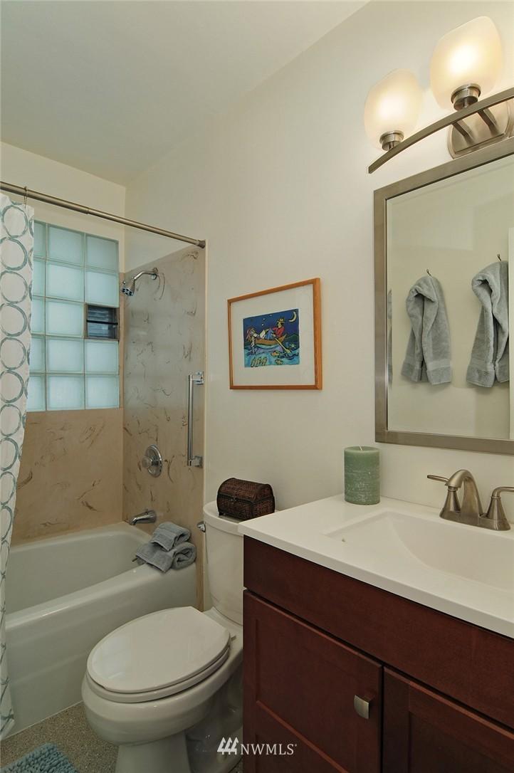 Sold Property   3137 NE 81st Street Seattle, WA 98115 12
