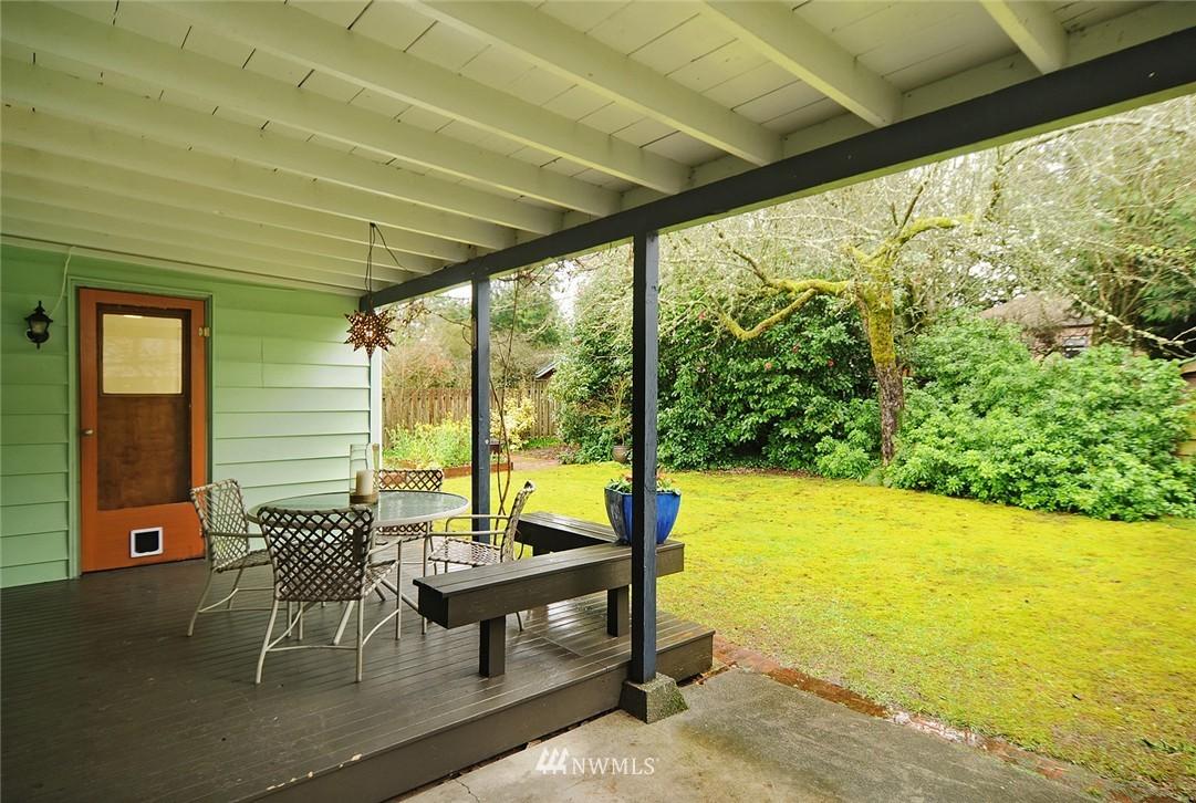 Sold Property   3137 NE 81st Street Seattle, WA 98115 15