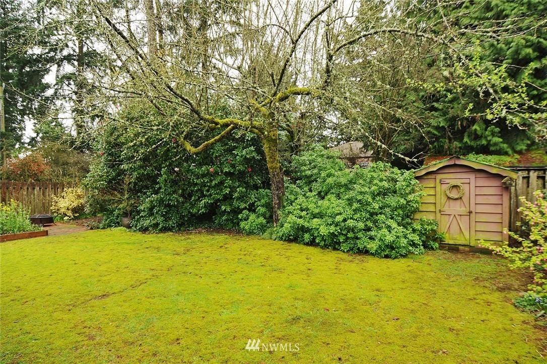 Sold Property   3137 NE 81st Street Seattle, WA 98115 17