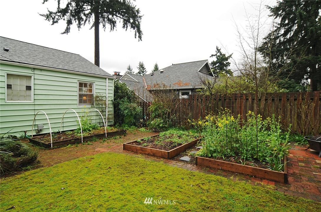 Sold Property   3137 NE 81st Street Seattle, WA 98115 18