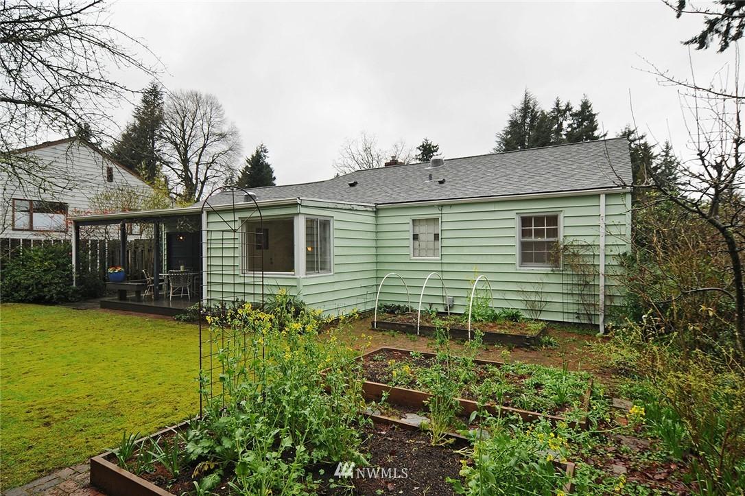 Sold Property   3137 NE 81st Street Seattle, WA 98115 19