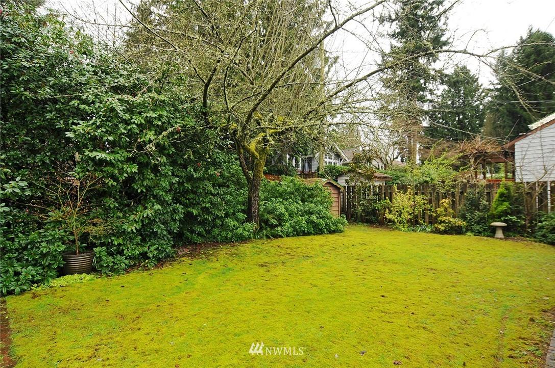 Sold Property   3137 NE 81st Street Seattle, WA 98115 20