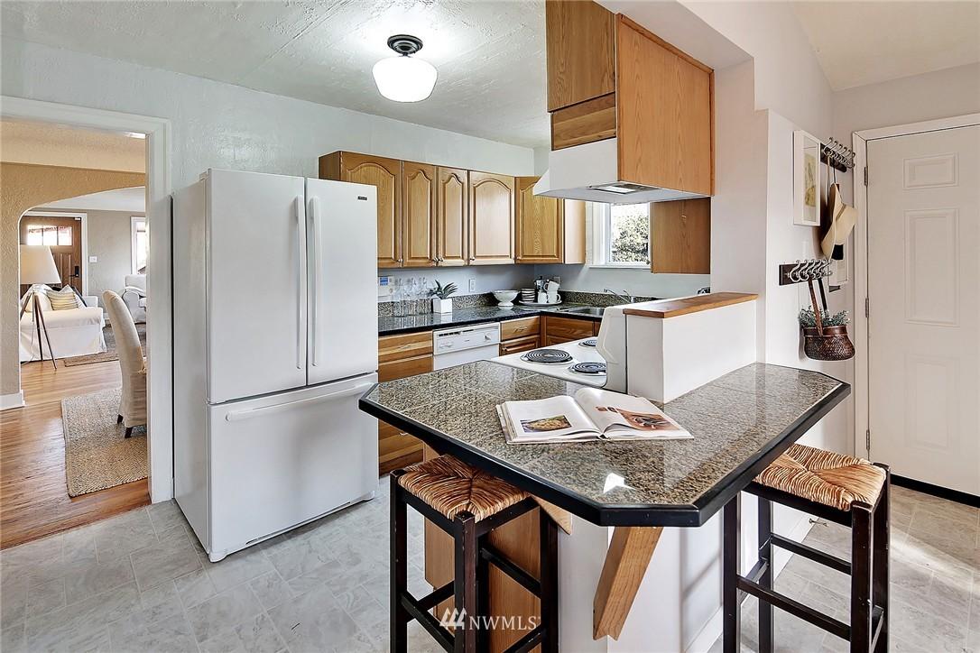 Sold Property | 915 N 92nd Street Seattle, WA 98103 5