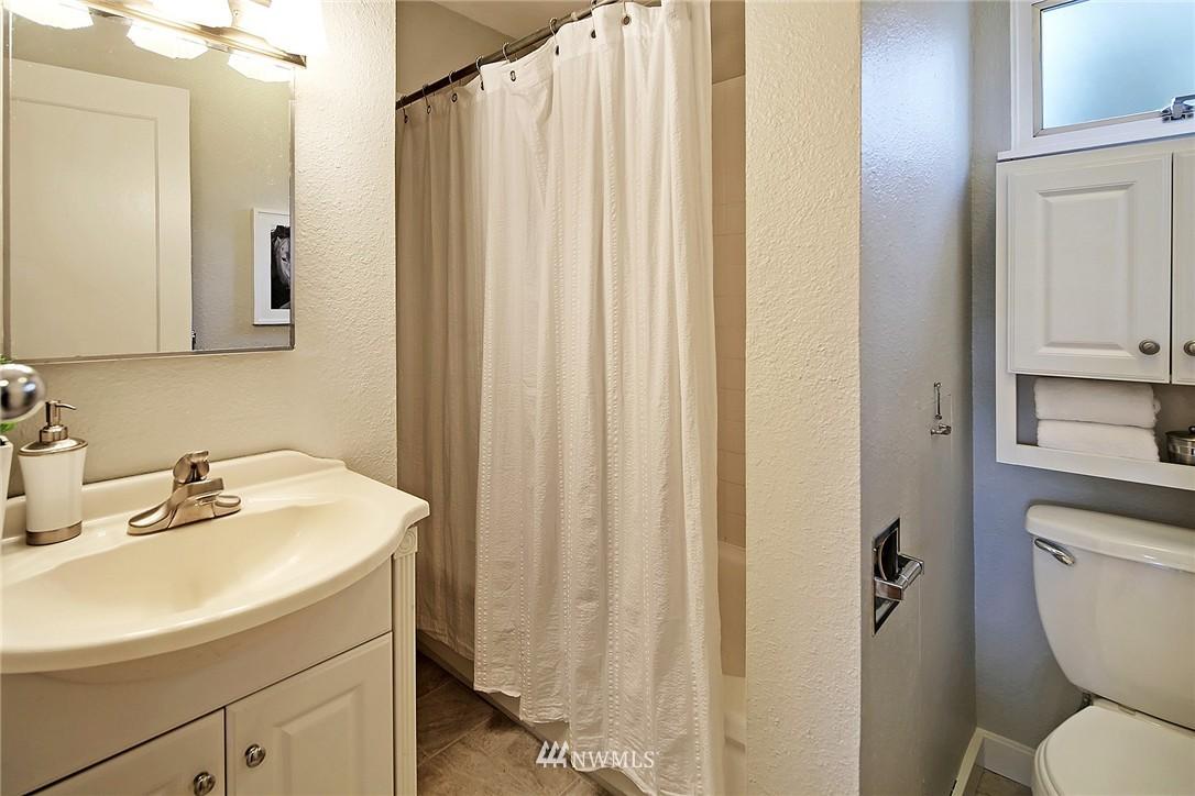 Sold Property | 915 N 92nd Street Seattle, WA 98103 10
