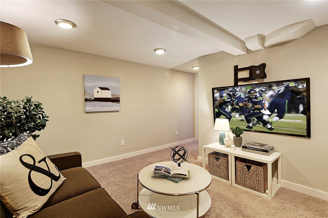 Sold Property | 915 N 92nd Street Seattle, WA 98103 13