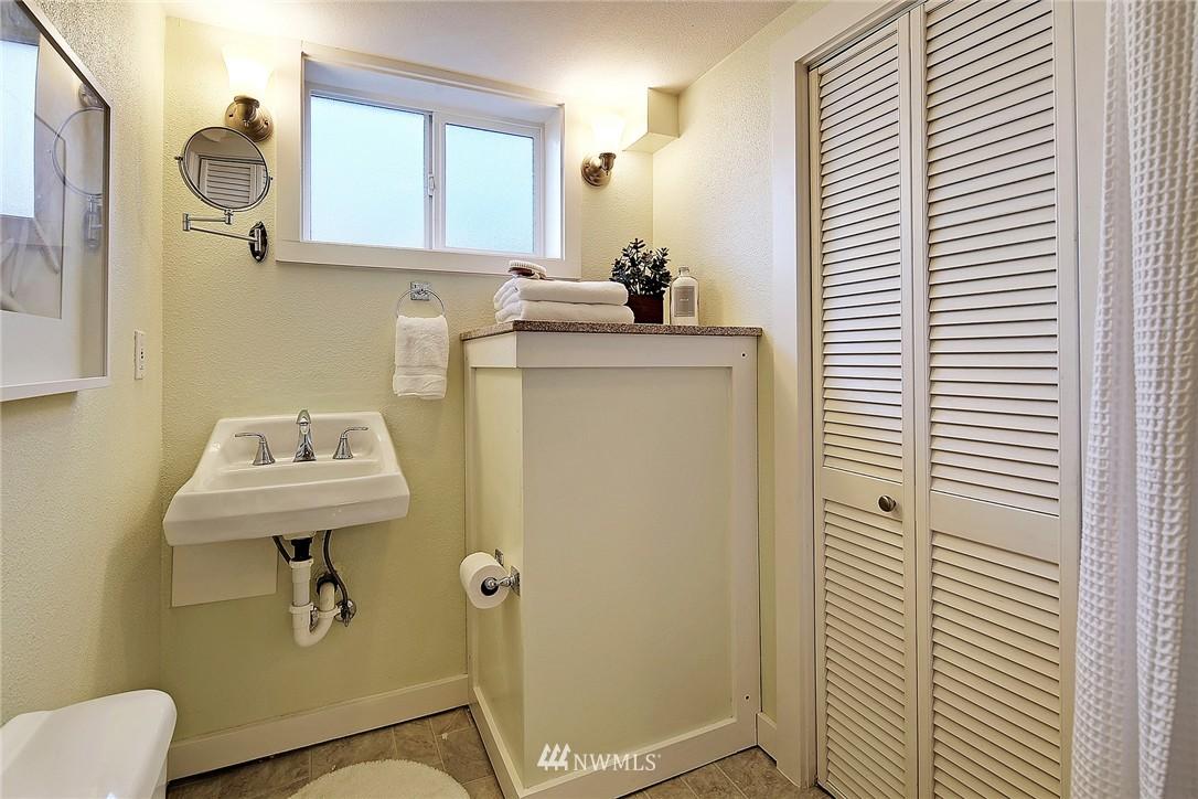 Sold Property | 915 N 92nd Street Seattle, WA 98103 14