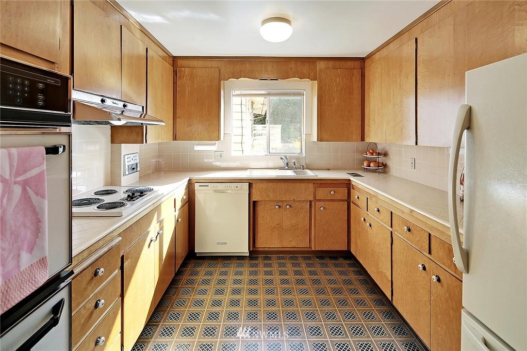 Sold Property | 7745 29th Avenue NE Seattle, WA 98115 6