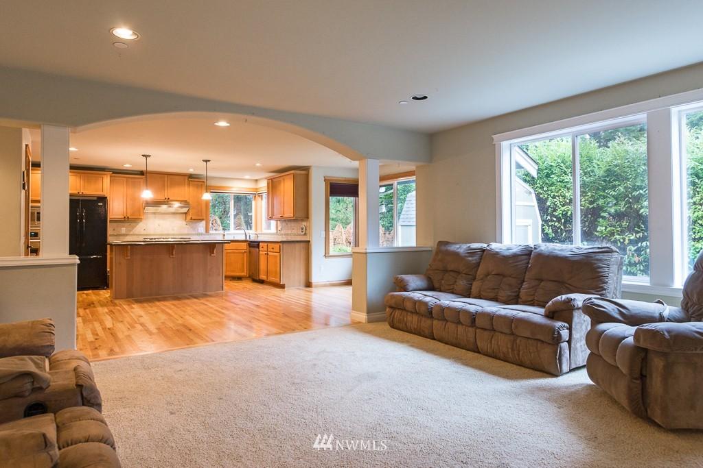 Sold Property | 15036 Dayton Avenue N Shoreline, WA 98133 3