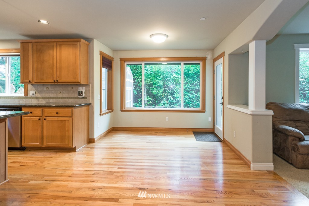 Sold Property | 15036 Dayton Avenue N Shoreline, WA 98133 4