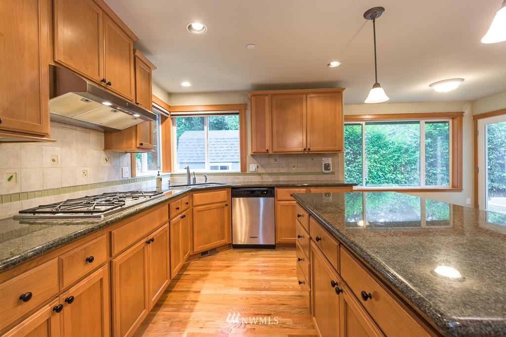 Sold Property | 15036 Dayton Avenue N Shoreline, WA 98133 5