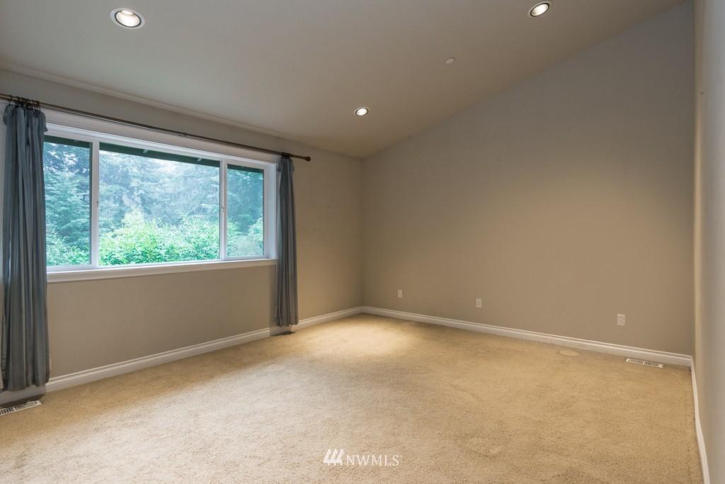 Sold Property | 15036 Dayton Avenue N Shoreline, WA 98133 10