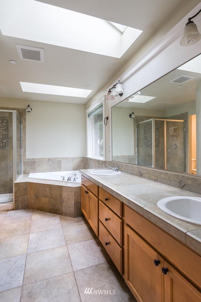 Sold Property | 15036 Dayton Avenue N Shoreline, WA 98133 12