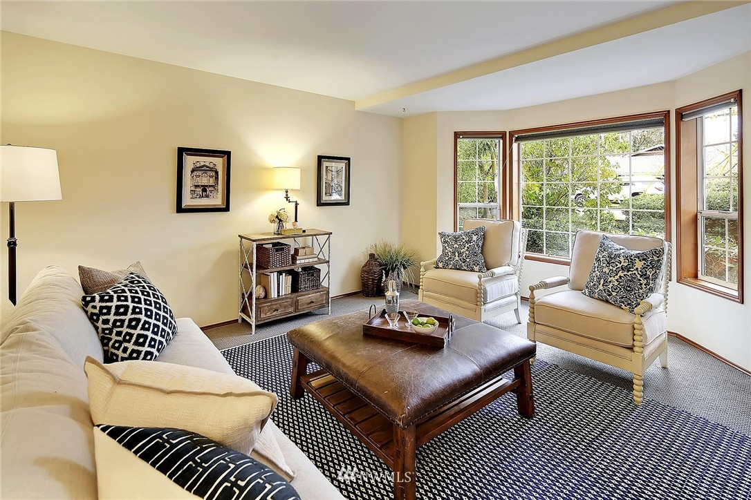 Sold Property | 9720 116th Avenue NE Kirkland, WA 98033 2