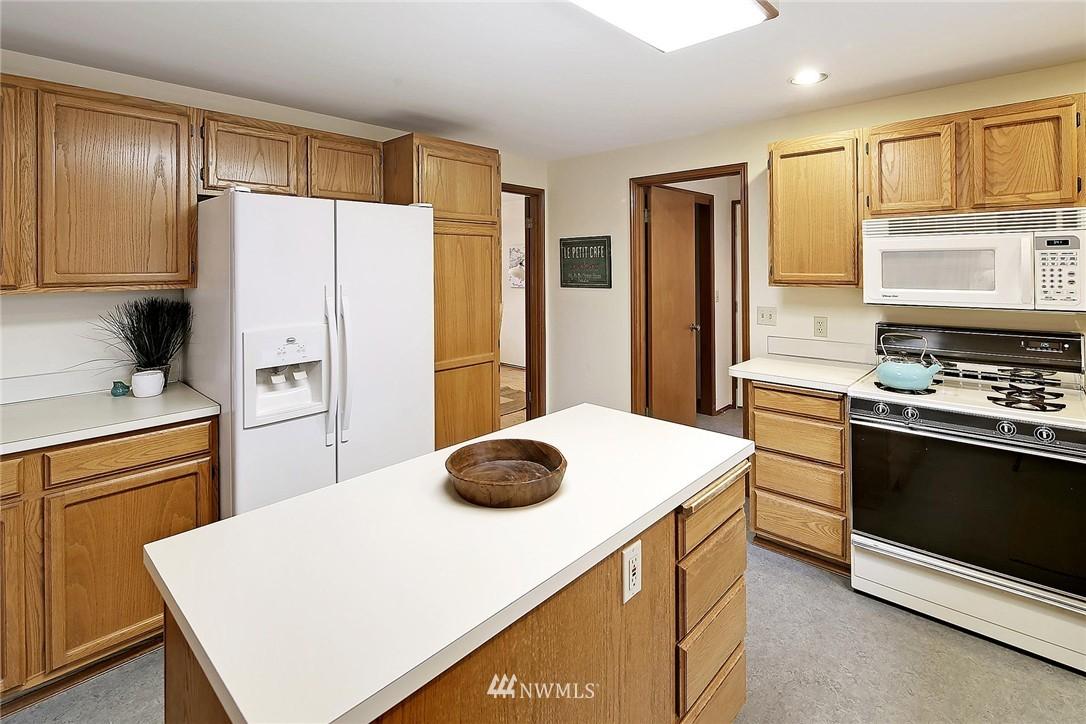Sold Property | 9720 116th Avenue NE Kirkland, WA 98033 4