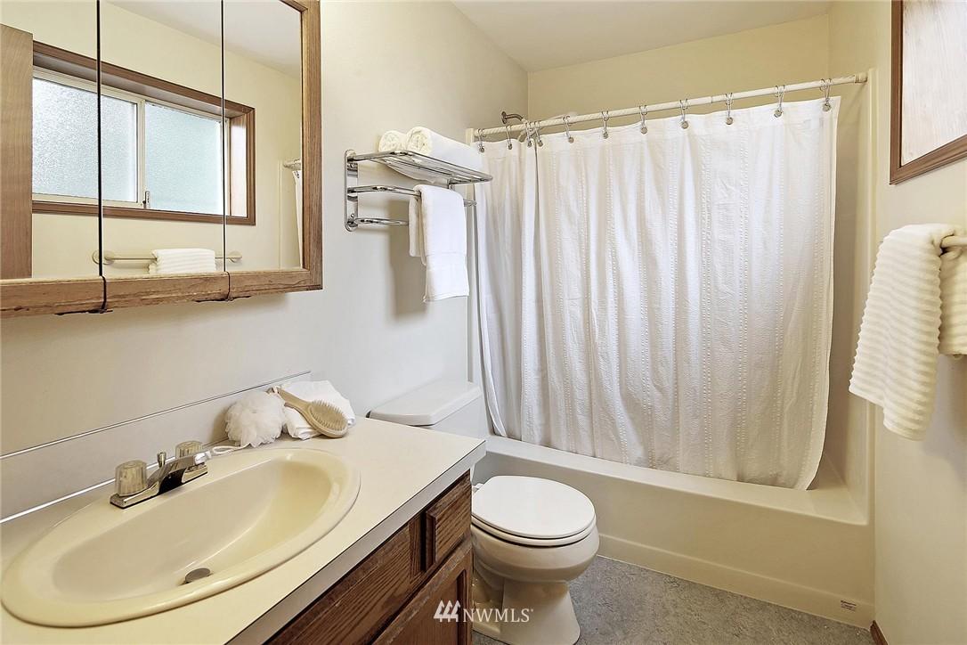 Sold Property | 9720 116th Avenue NE Kirkland, WA 98033 13