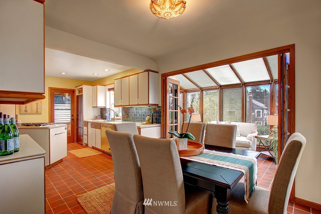 Sold Property | 218 NW 73rd Street Seattle, WA 98117 4