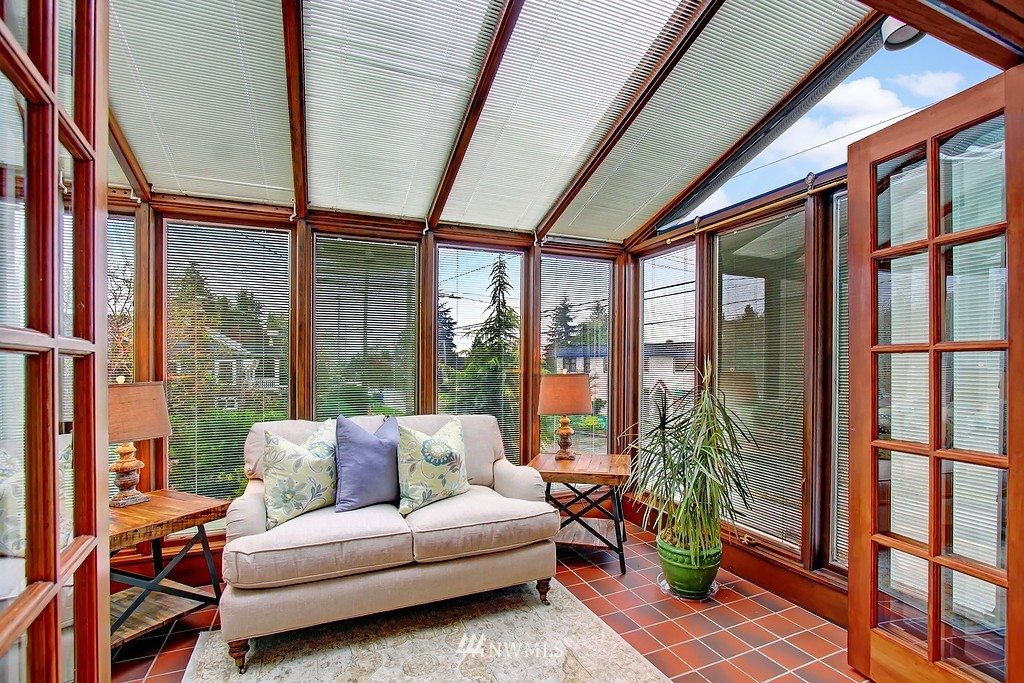 Sold Property | 218 NW 73rd Street Seattle, WA 98117 5