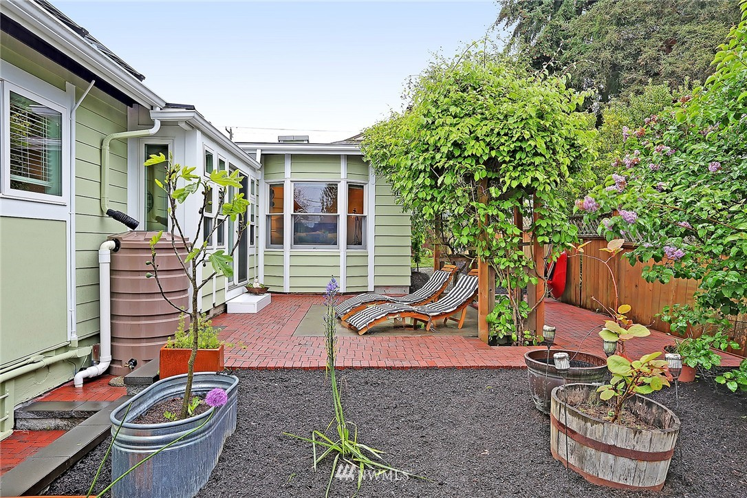 Sold Property | 8064 26th Avenue NW Seattle, WA 98117 20
