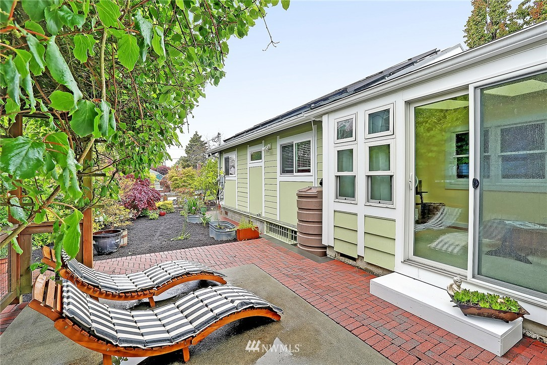 Sold Property | 8064 26th Avenue NW Seattle, WA 98117 18