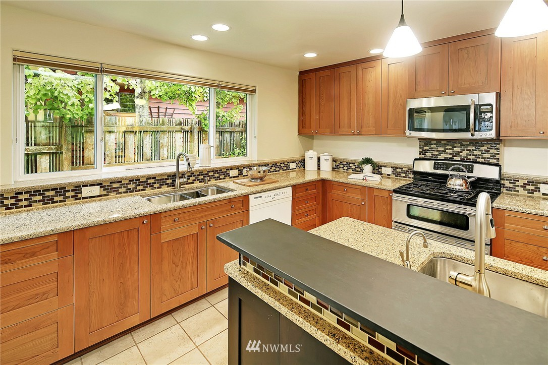 Sold Property | 8064 26th Avenue NW Seattle, WA 98117 6