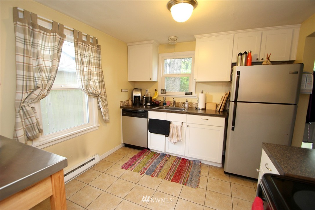 Sold Property   710 N 97th Street Seattle, WA 98103 5