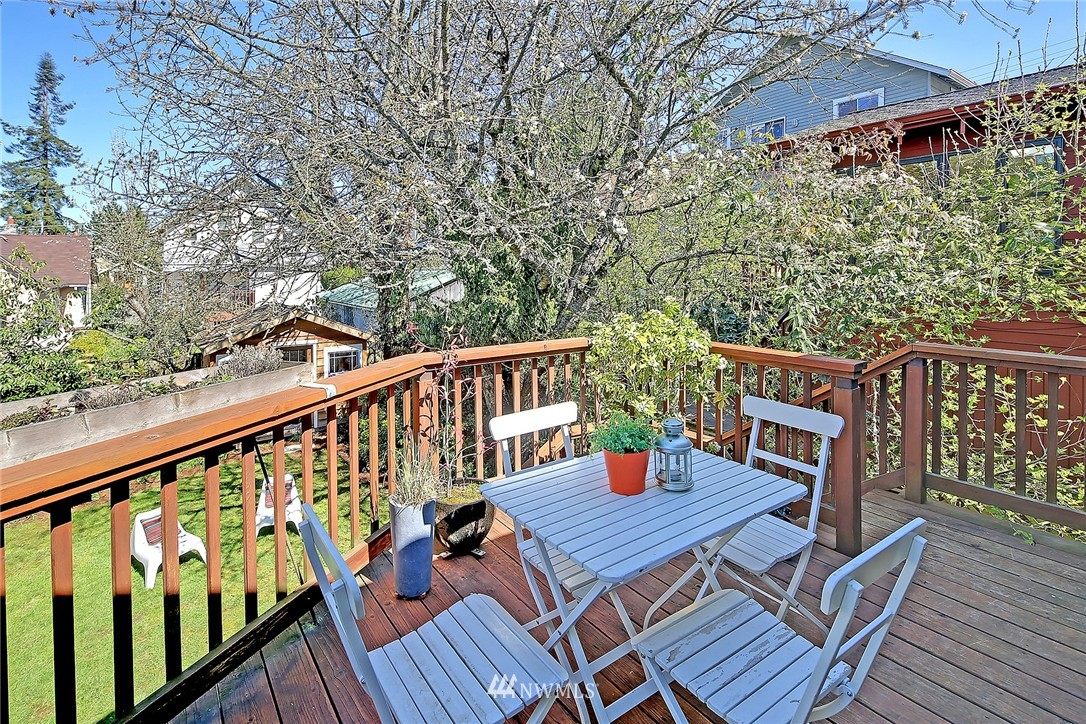 Sold Property | 1634 N 53rd Street Seattle, WA 98103 18