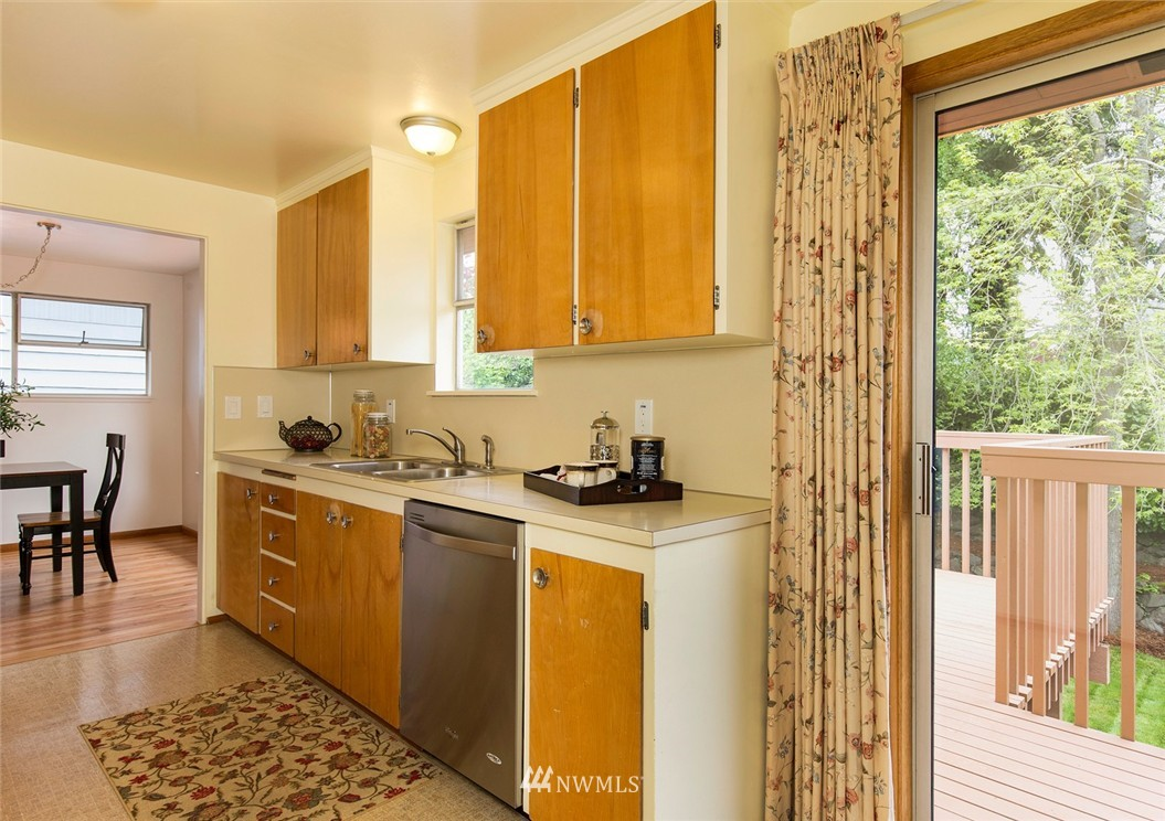 Sold Property | 3816 NE 91st Street Seattle, WA 98115 5
