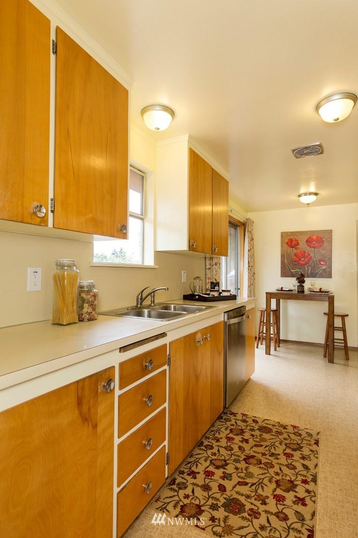 Sold Property | 3816 NE 91st Street Seattle, WA 98115 6