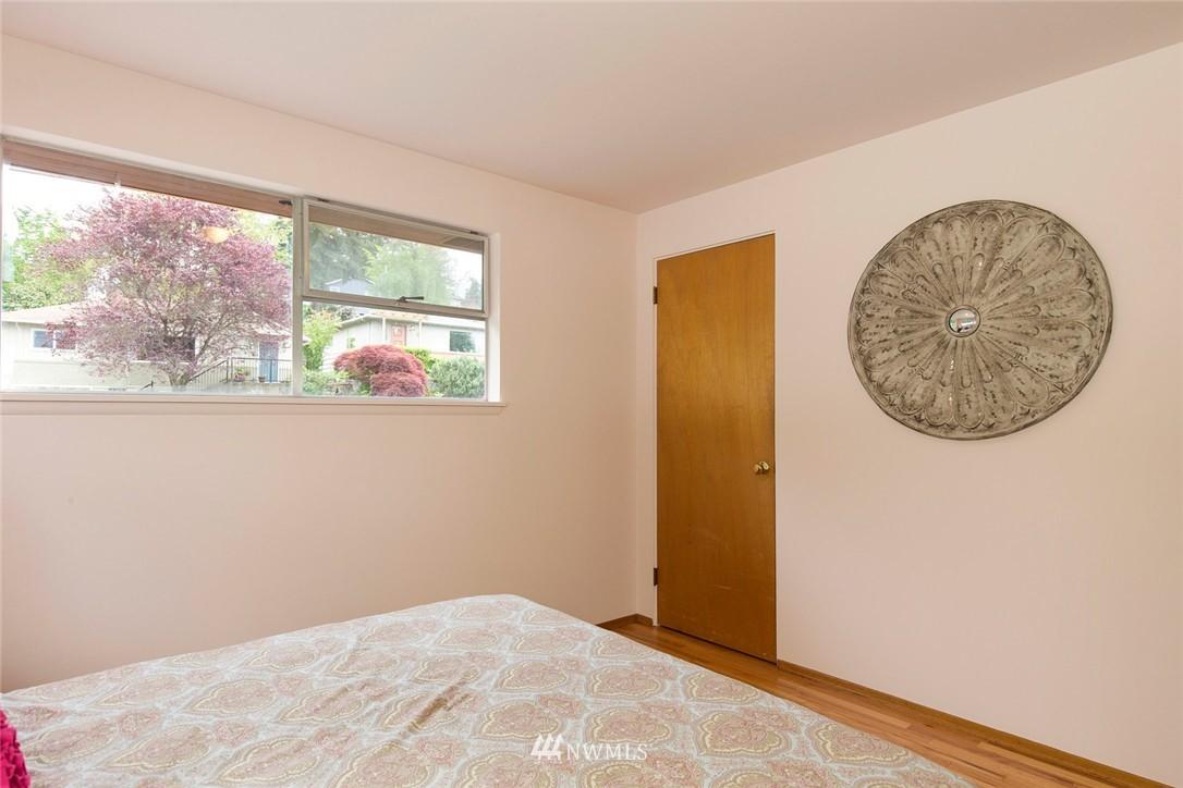 Sold Property | 3816 NE 91st Street Seattle, WA 98115 9