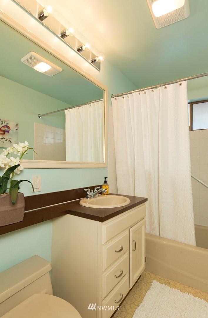 Sold Property | 3816 NE 91st Street Seattle, WA 98115 10