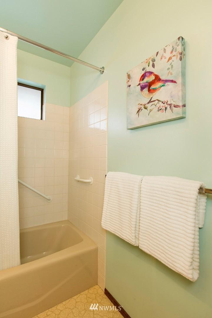 Sold Property | 3816 NE 91st Street Seattle, WA 98115 11