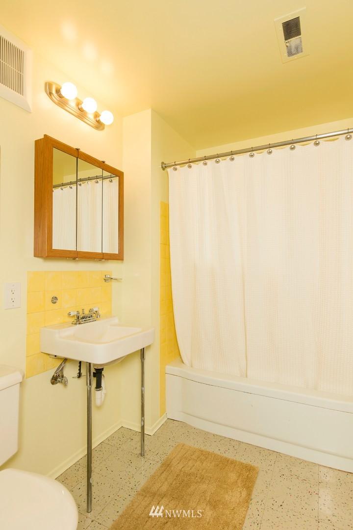 Sold Property | 3816 NE 91st Street Seattle, WA 98115 21