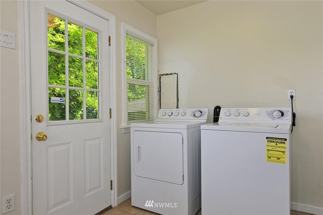 Sold Property | 2506 NE 120th Street Seattle, WA 98125 7
