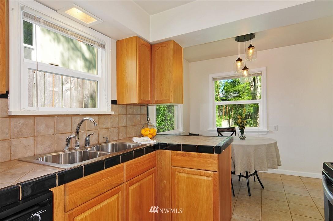 Sold Property | 2506 NE 120th Street Seattle, WA 98125 5