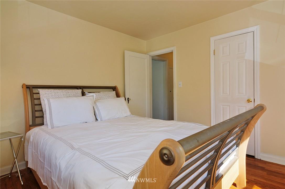 Sold Property | 2506 NE 120th Street Seattle, WA 98125 9