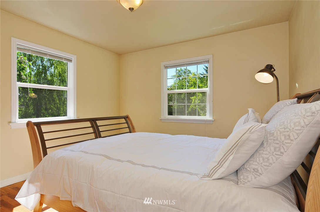 Sold Property | 2506 NE 120th Street Seattle, WA 98125 10