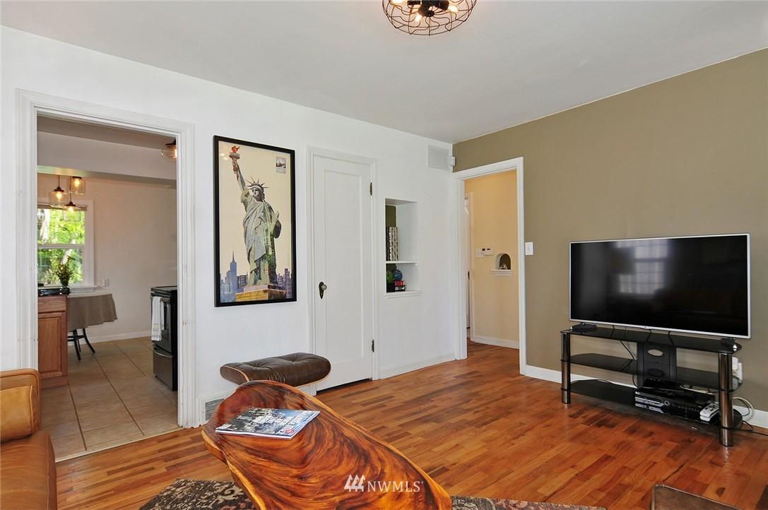 Sold Property | 2506 NE 120th Street Seattle, WA 98125 3