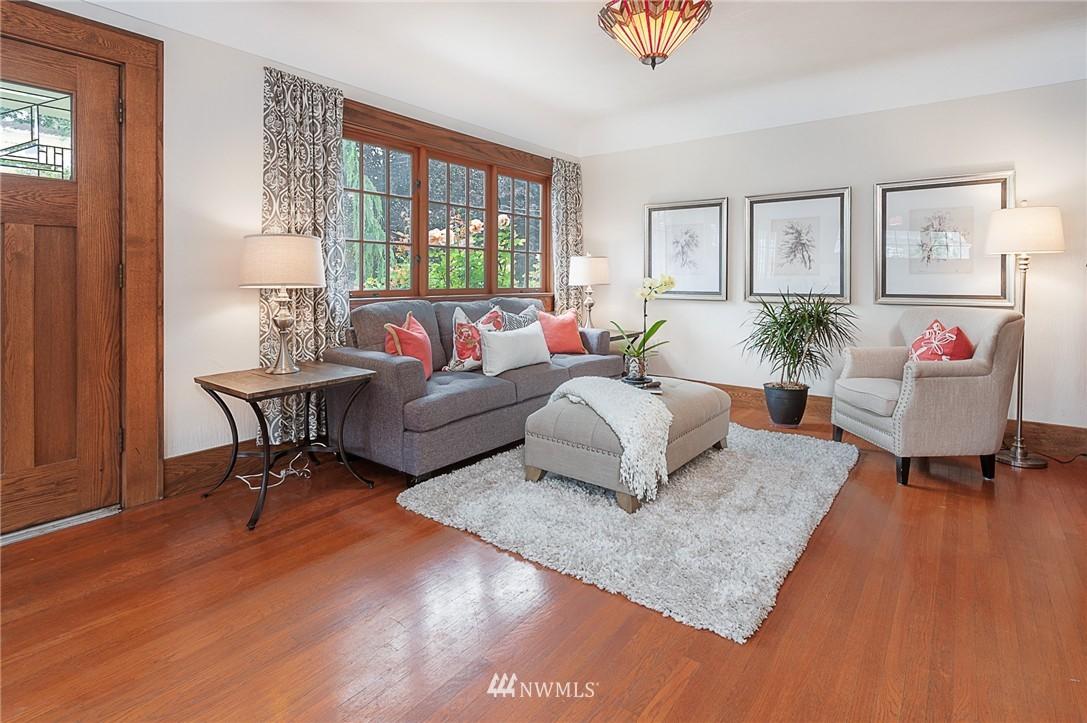 Sold Property   6225 Woodlawn Avenue N Seattle, WA 98103 3