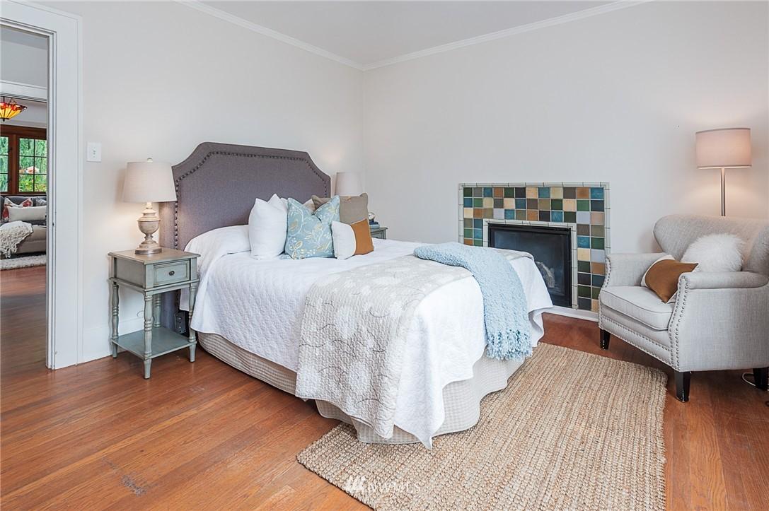 Sold Property   6225 Woodlawn Avenue N Seattle, WA 98103 10