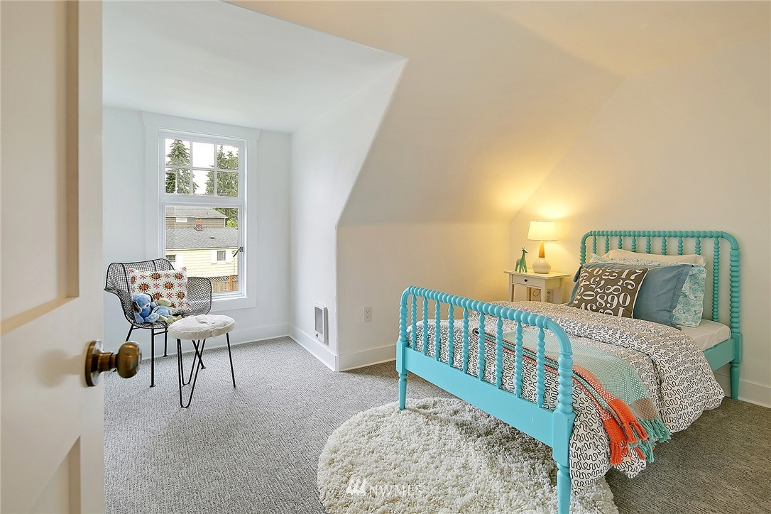 Sold Property | 8701 Corliss Avenue N Seattle, WA 98103 19