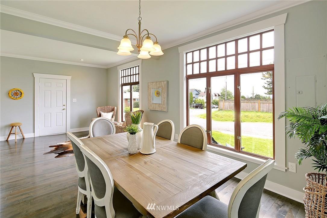 Sold Property | 8701 Corliss Avenue N Seattle, WA 98103 10
