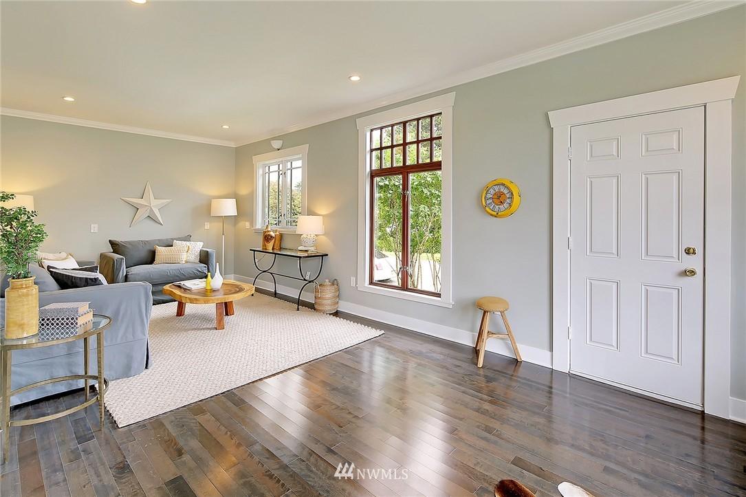 Sold Property | 8701 Corliss Avenue N Seattle, WA 98103 13