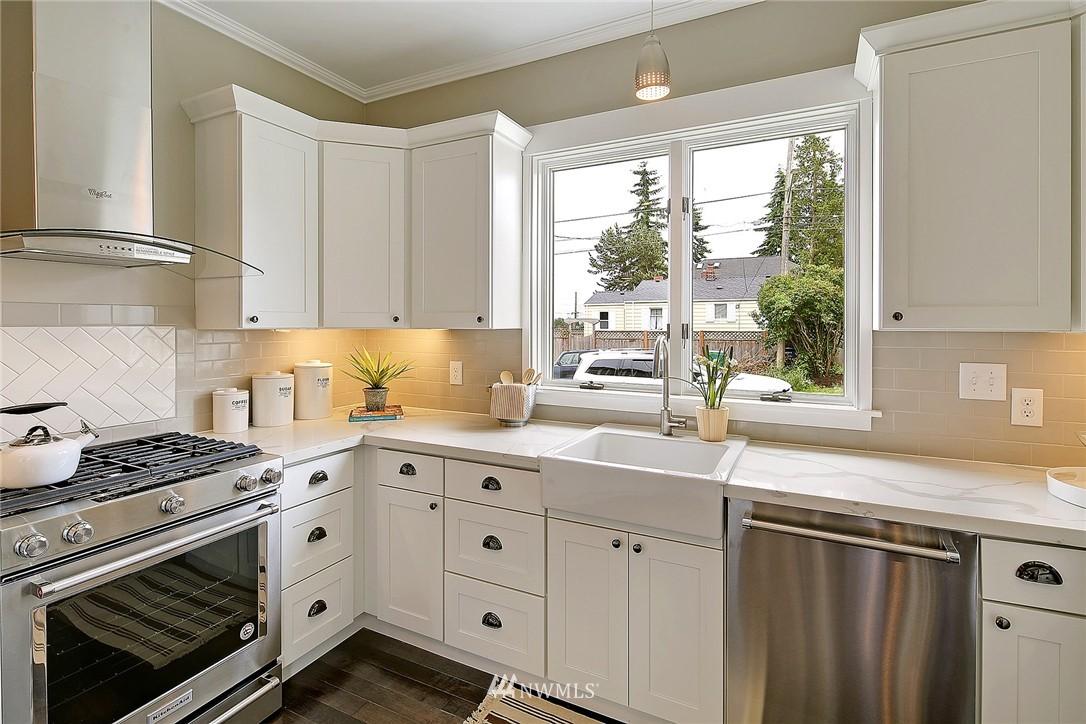 Sold Property | 8701 Corliss Avenue N Seattle, WA 98103 6