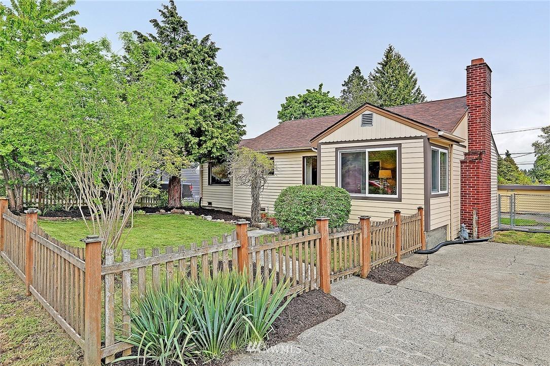 Sold Property   9020 32nd Avenue SW Seattle, WA 98126 0