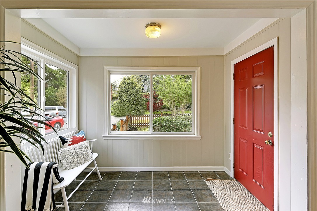 Sold Property   9020 32nd Avenue SW Seattle, WA 98126 1