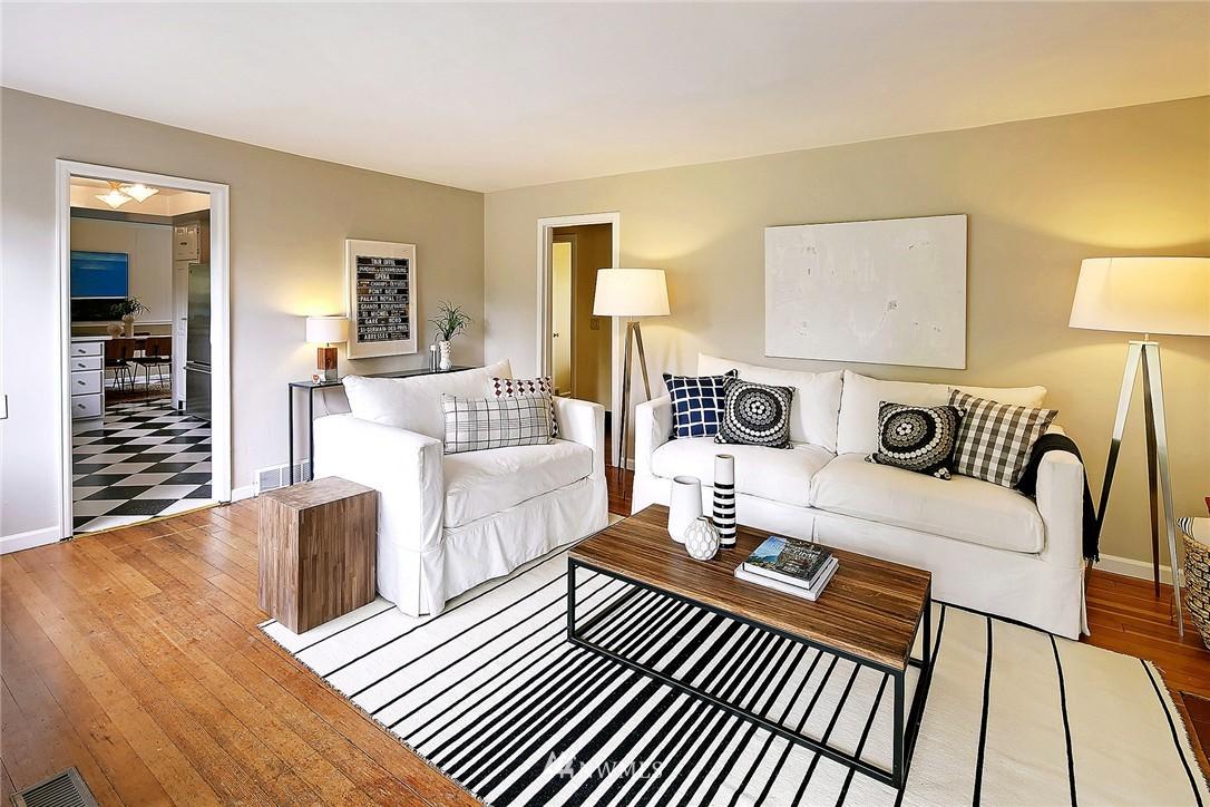 Sold Property   9020 32nd Avenue SW Seattle, WA 98126 3